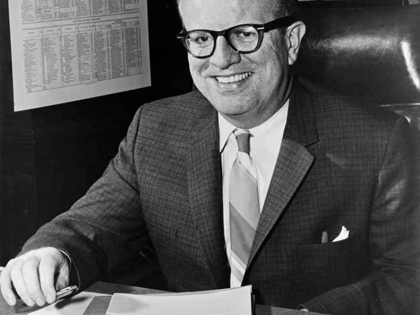 Larry durante su época en el Partido Demócrata.