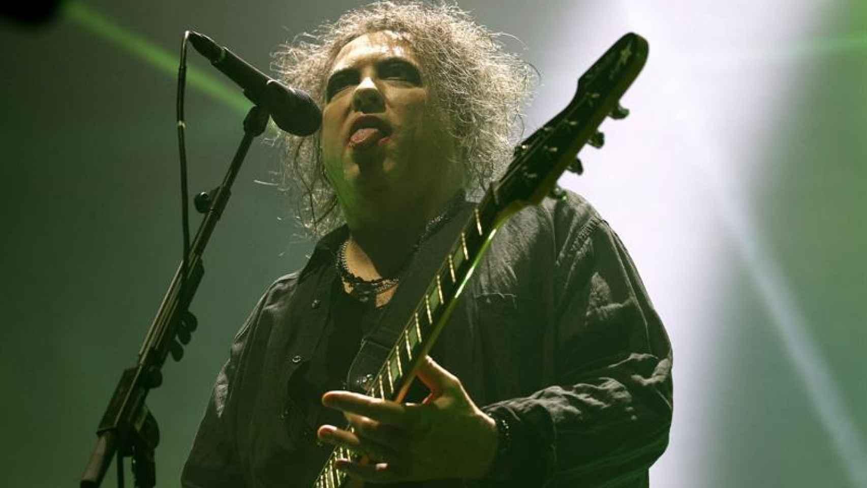 Robert Smith, el líder de The Cure enamoró en el concierto de Madrid.