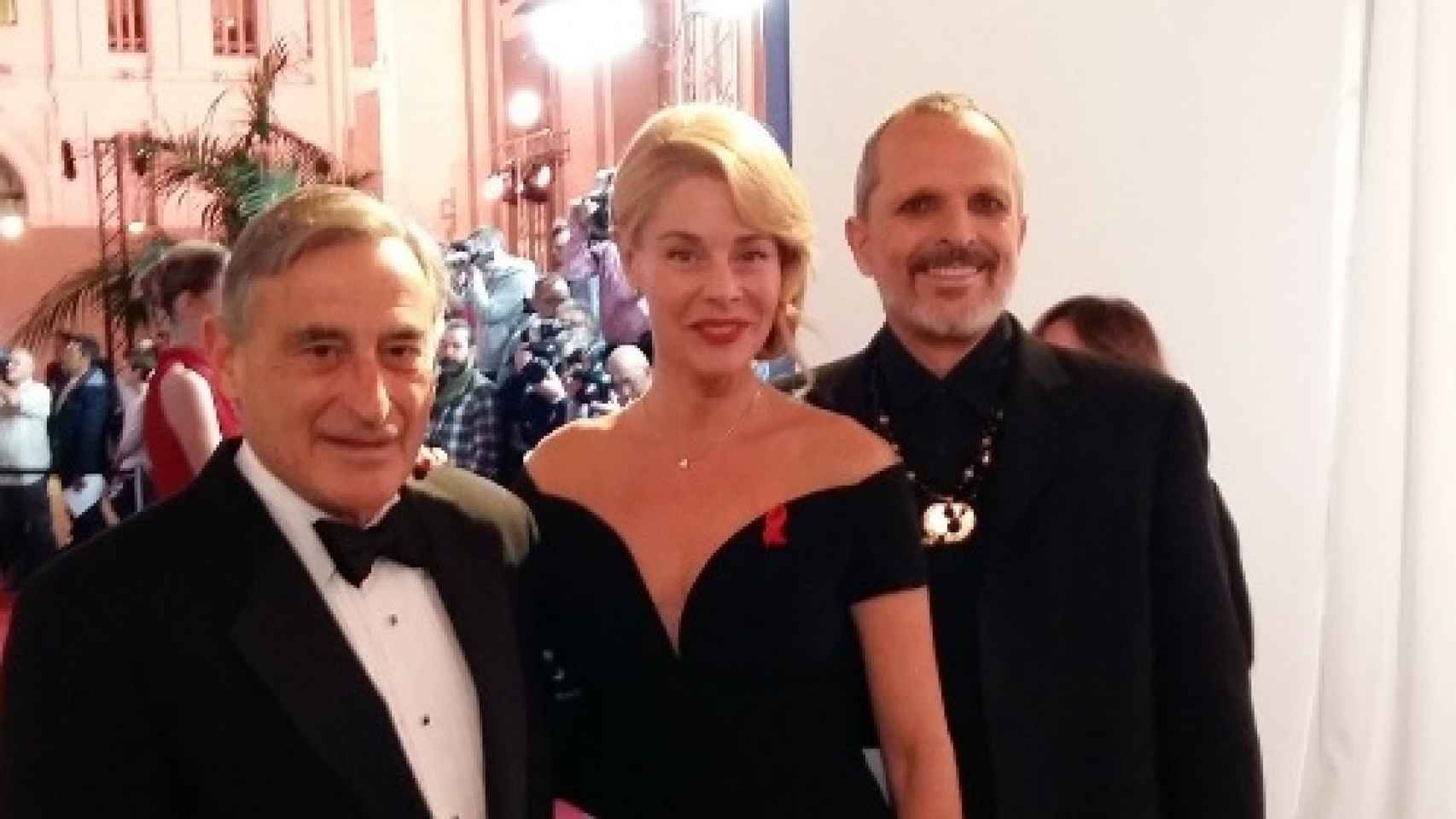 Miguel Bosé, Belén Rueda, Boris Izaguirre y el doctor Buenaventura Clotet, en la rueda de prensa de la Gala Sida.