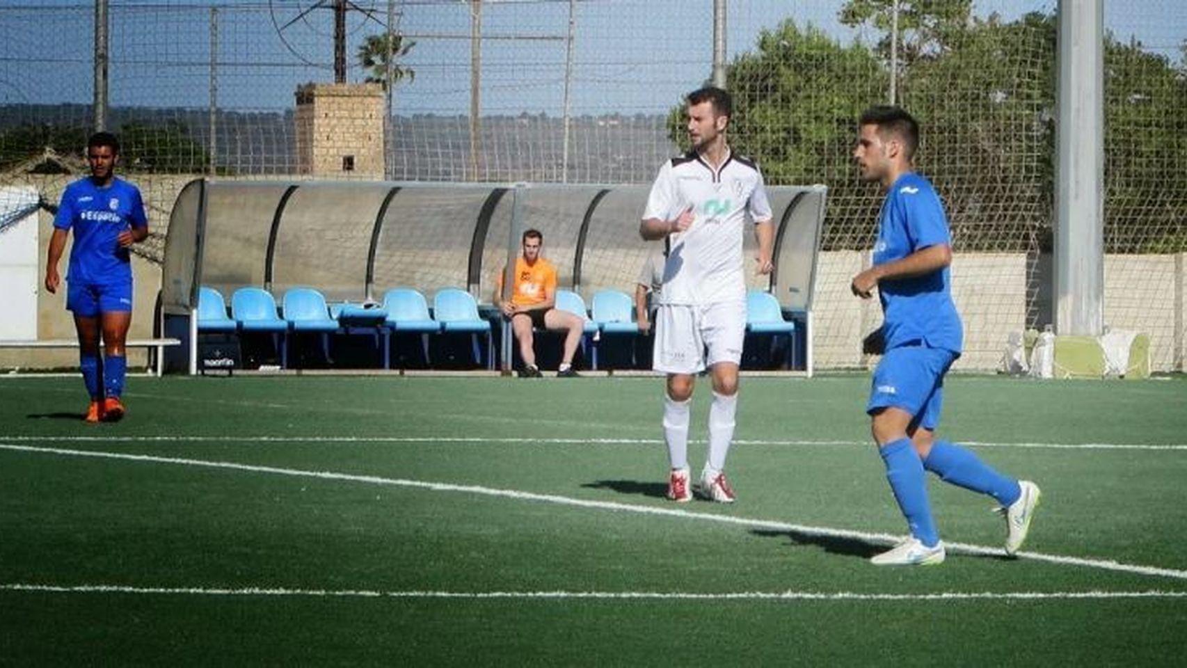 Partido entre Ferriolense y Alaró celebrado el 17 de mayo de 2015 en el estadio Son Ferriol.