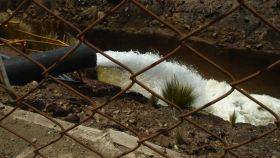 Afluente de aguas residuales en Perú.