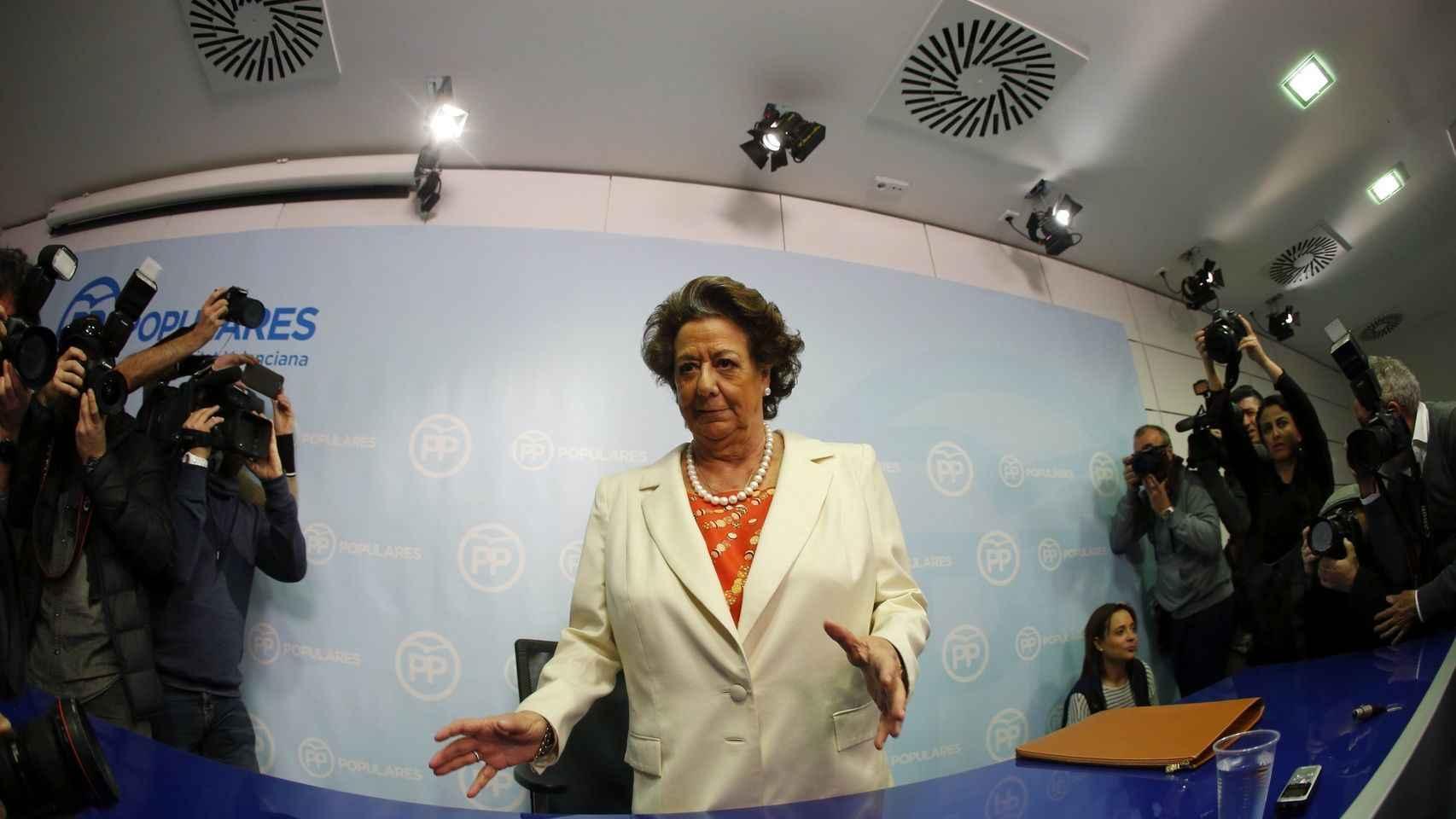 Rita Barberá durante la rueda de prensa que ofreció ante las acusaciones de financiación ilegal del PP.