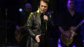 Raphael durante el concierto este martes en Madrid