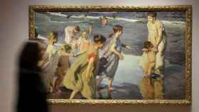 La pintura Verano, en la exposición del Museo Sorolla.