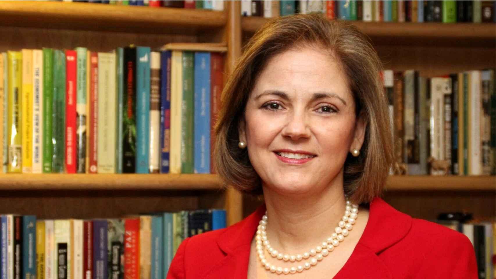 Charo Guerra considera que Santos ha cometido un golpe Estado.