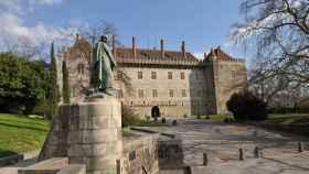 Fachada principal del Palacio de los duques de Braganza
