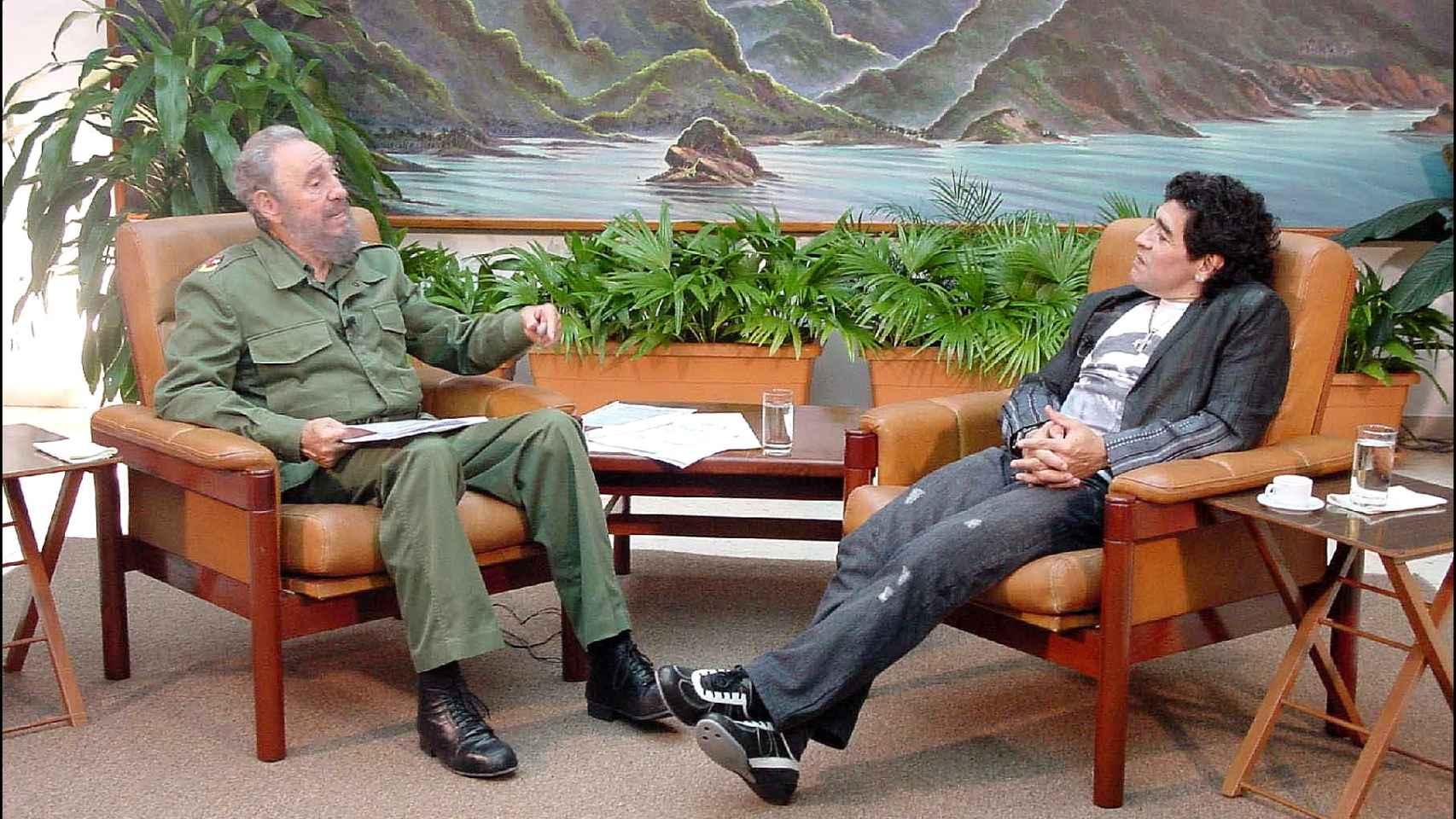 Fidel Castro y Maradona en La Habana.