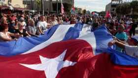 El exilio cubano celebra la muerte de Fidel Castro.