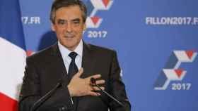 Fillon celebra su victoria en las primarias del centro-derecha francés.