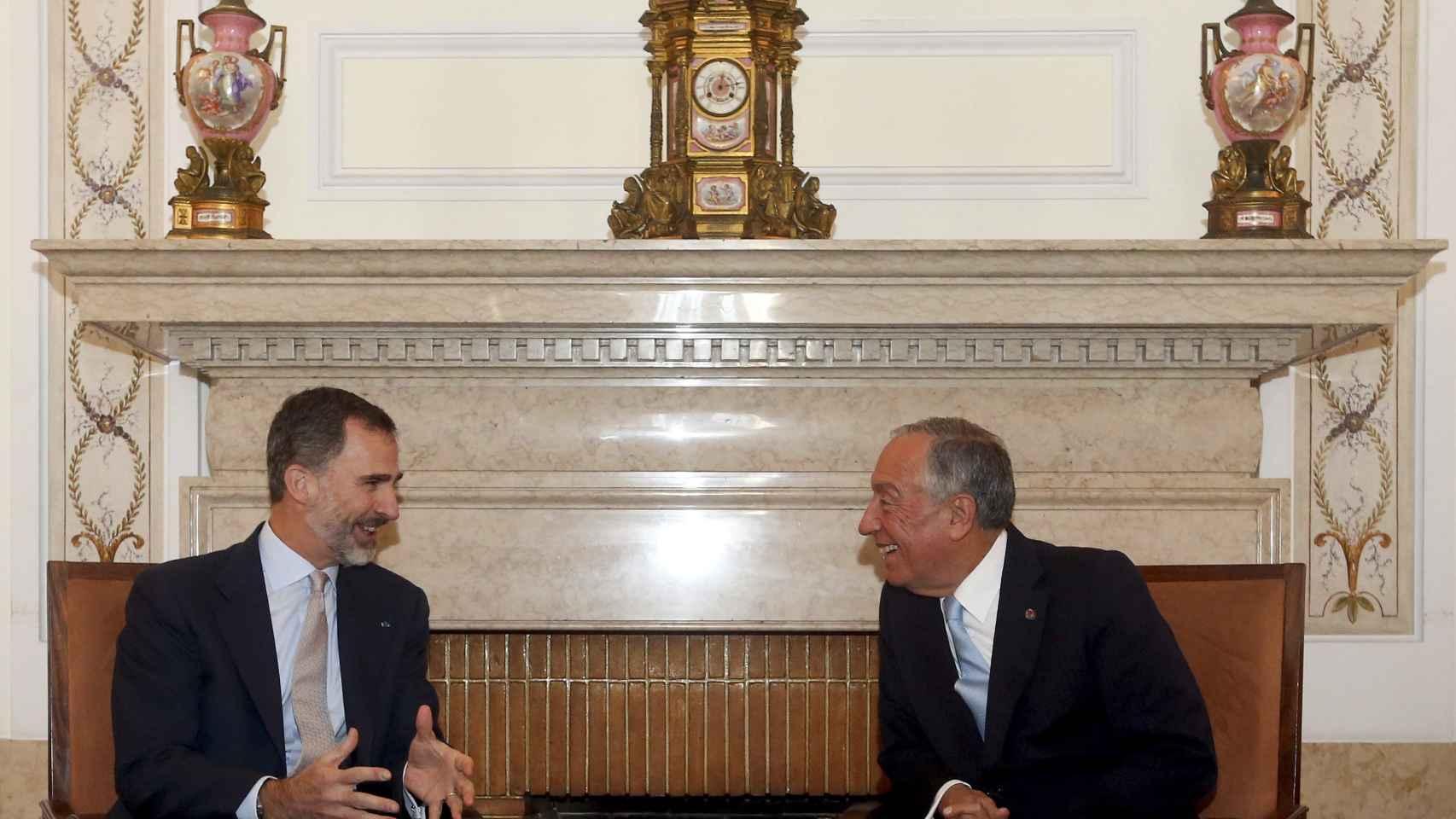 Felipe VI y Marcelo Rebelo de Sousa, en la recepción del Ayuntamiento de Oporto.
