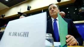 El presidente del BCE no ha querido pronunciarse en la Eurocámara sobre el referéndum italiano