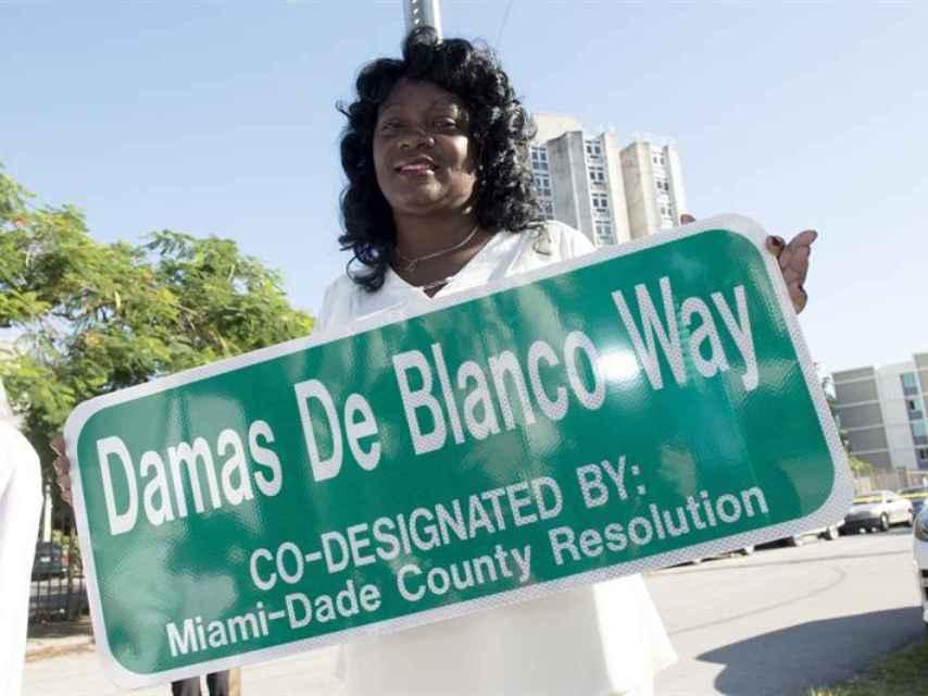 Berta Soler, en la inauguración de la calle Damas de Blanco en Miami el 23/11/2016.