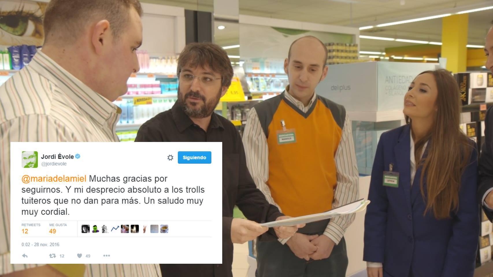 Uno momento del programa y el tuit de Jordi Évole.