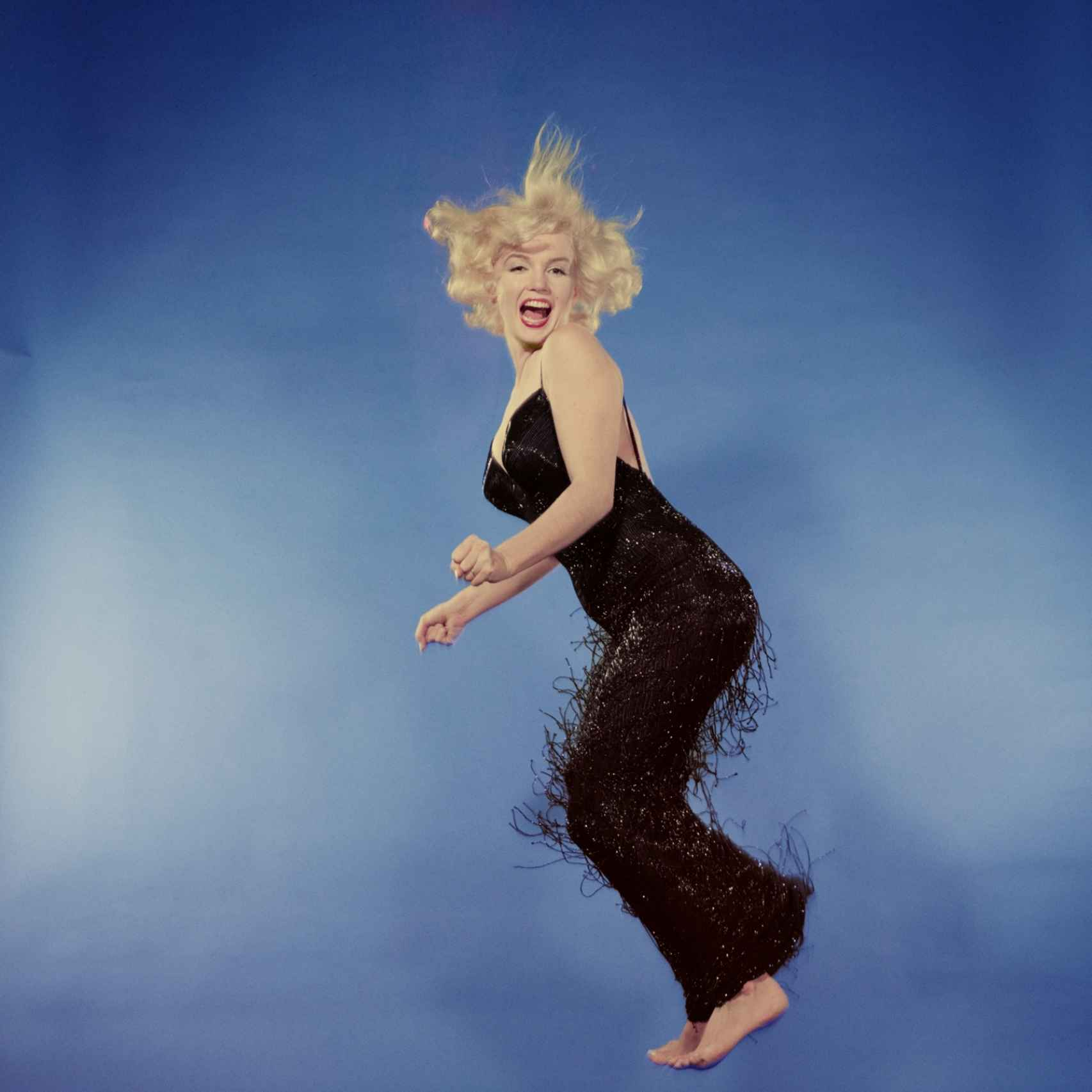 Marilyn Monroe saltando.