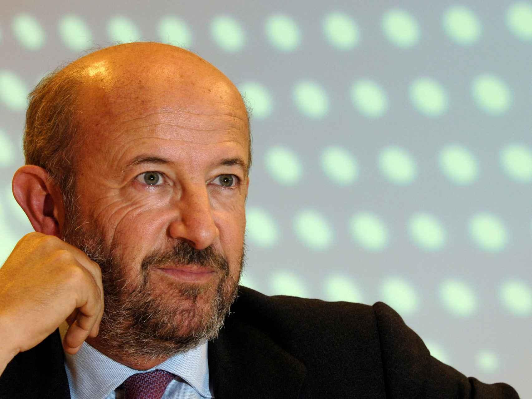 Emilio Saracho.