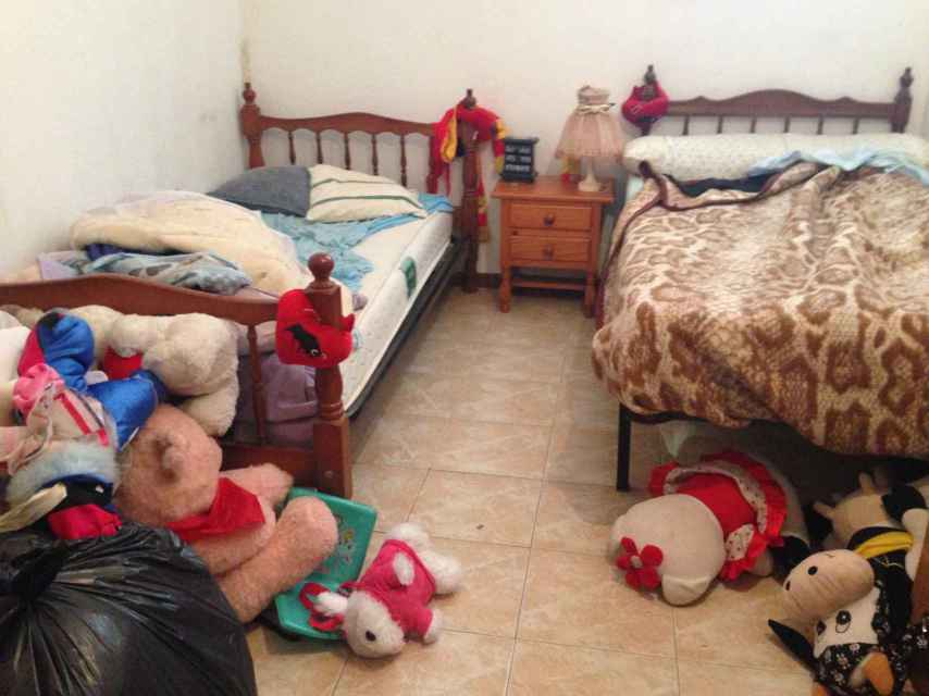 Habitación en la que durmieron durante unas semanas Sonia, su novio y sus dos hijos, fruto de dos relaciones anteriores.