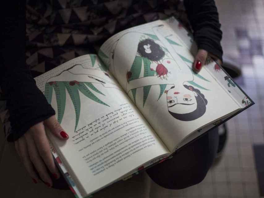 Maria Hesse muestra sus ilustraciones sobre Frida.