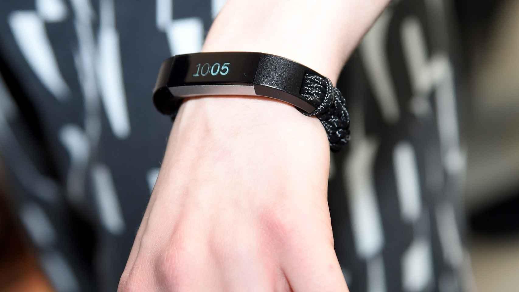 Una pulsera Fitbit