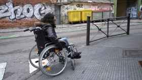Una reportera de EL ESPAÑOL pasa un día en silla de ruedas