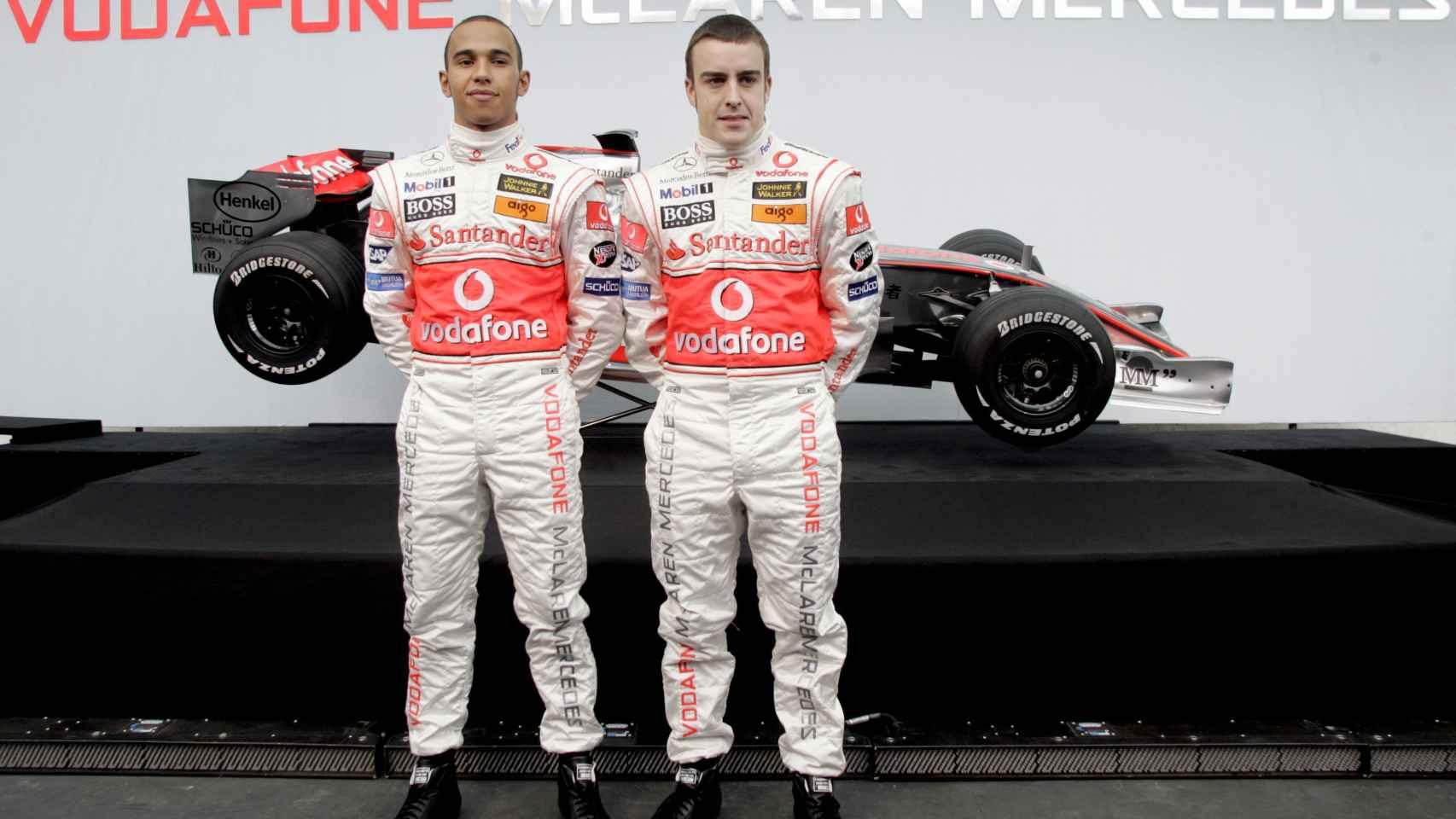 Hamilton y Alonso, cuando eran compañeros en McLaren en 2007.