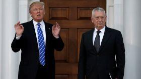 Mattis, junto a Trump en la reunión que mantuvieron hace días.
