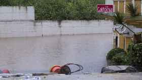 Vista del club California de Estepona inundado tras las lluvias.