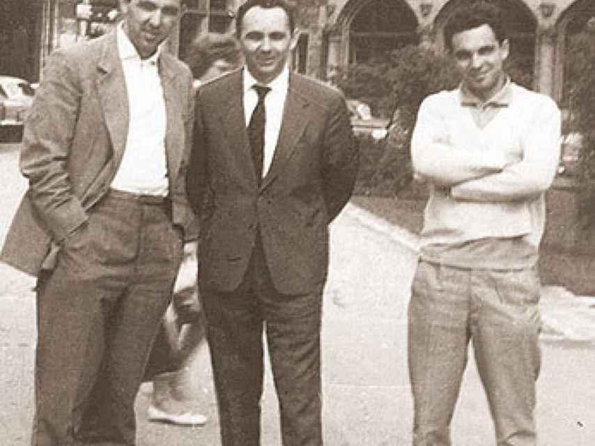 Los tres hermanos fundadores, en la década de los 50.