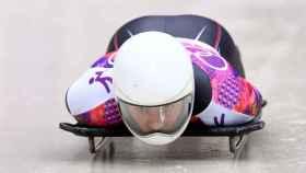 Kyle Tress compitiendo en skeleton en Sochi 2014.