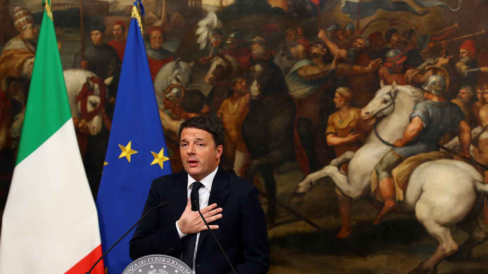 Matteo Renzi, durante su alocución tras el referendo de este domingo.