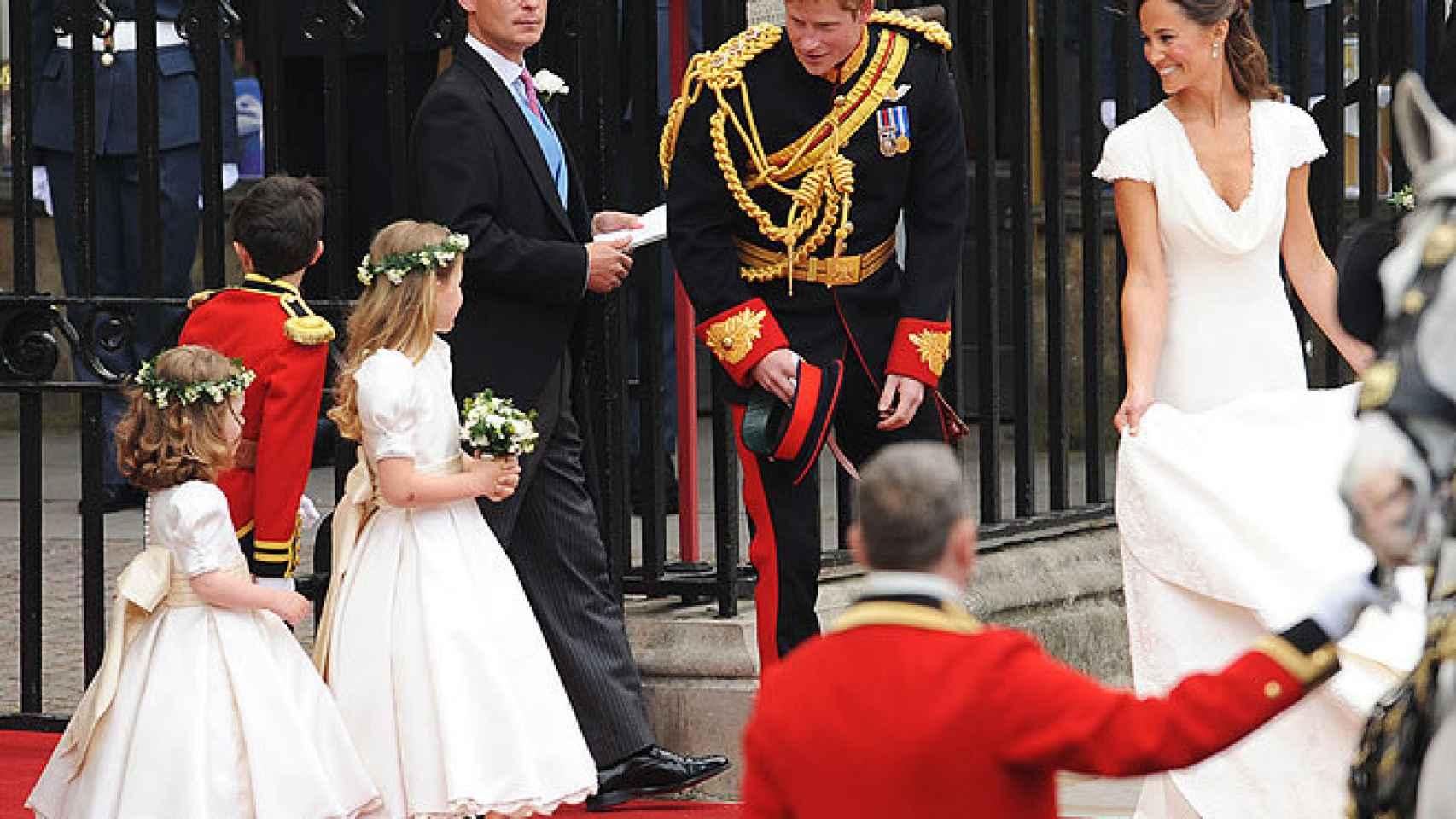 Harry en la boda de su hermano y Kate, junto a Pippa Middleton.