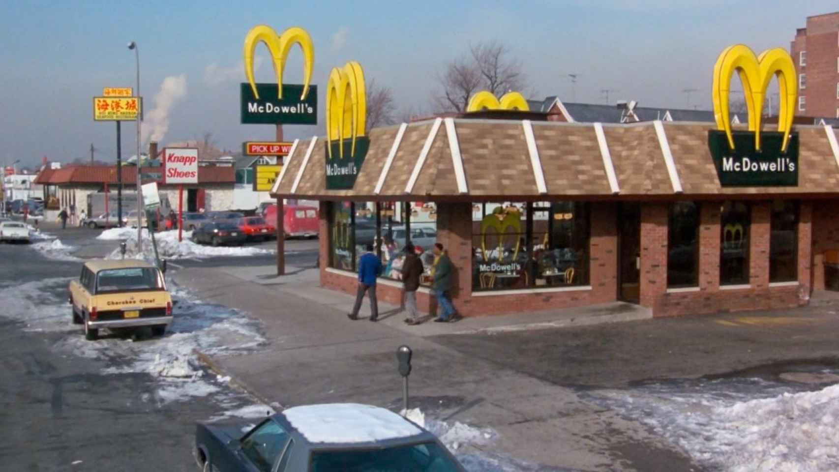 El príncipe de Zamunda parodiaba a McDonald's con su marca McDowell's.