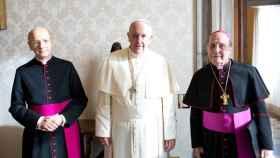 El papa Francisco con Javier Echevarría y Fernando Ocáriz, su sucesor.