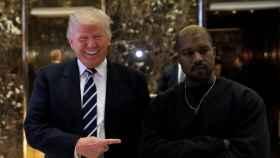 Donald Trump y su nuevo amigo negro, Kanye West.