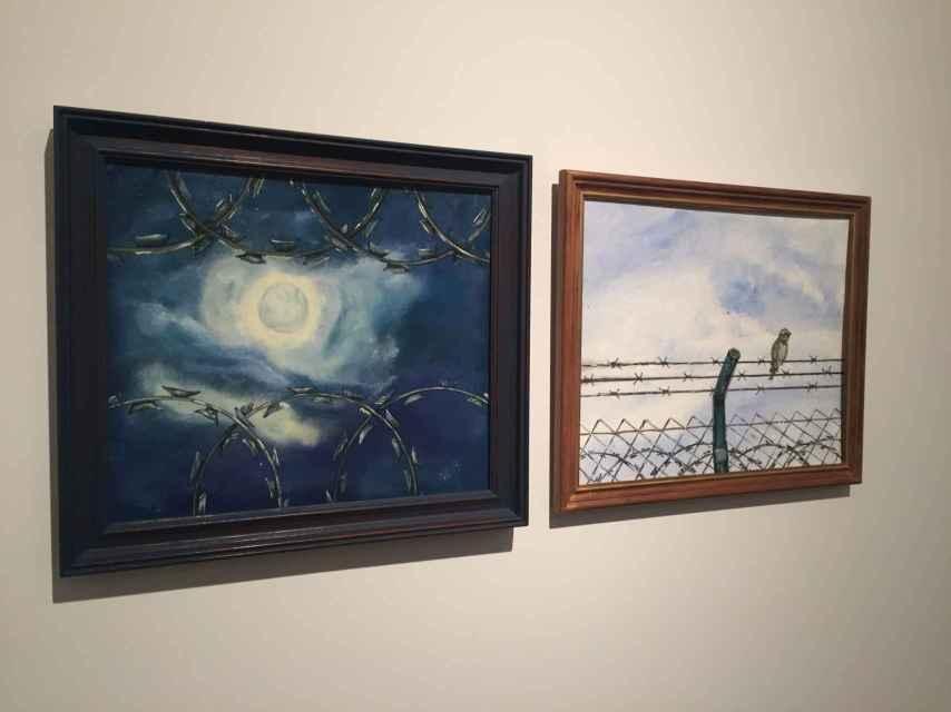 Dos pinturas de los reclusos incluidas en la exposición de Barcelona.