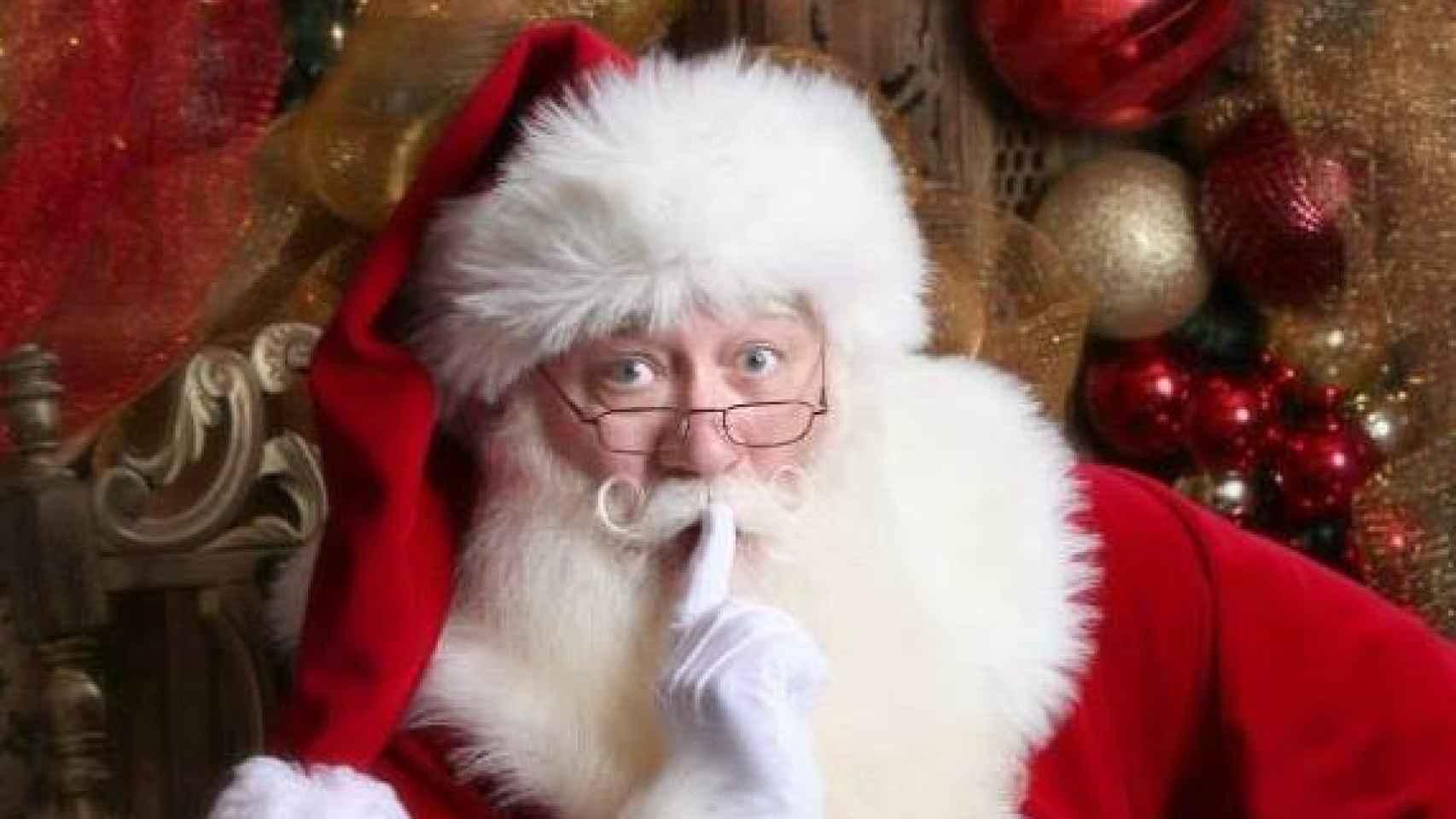 Eric Schmitt-Matzen vestido de Santa Claus.