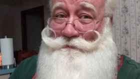 Eric Schmitt-Matzen con su frondosa barba blanca de Santa Claus.