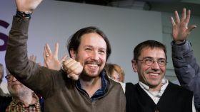 Pablo Iglesias (i), junto a Juan Carlos Monedero, en la presentación de su candidatura.