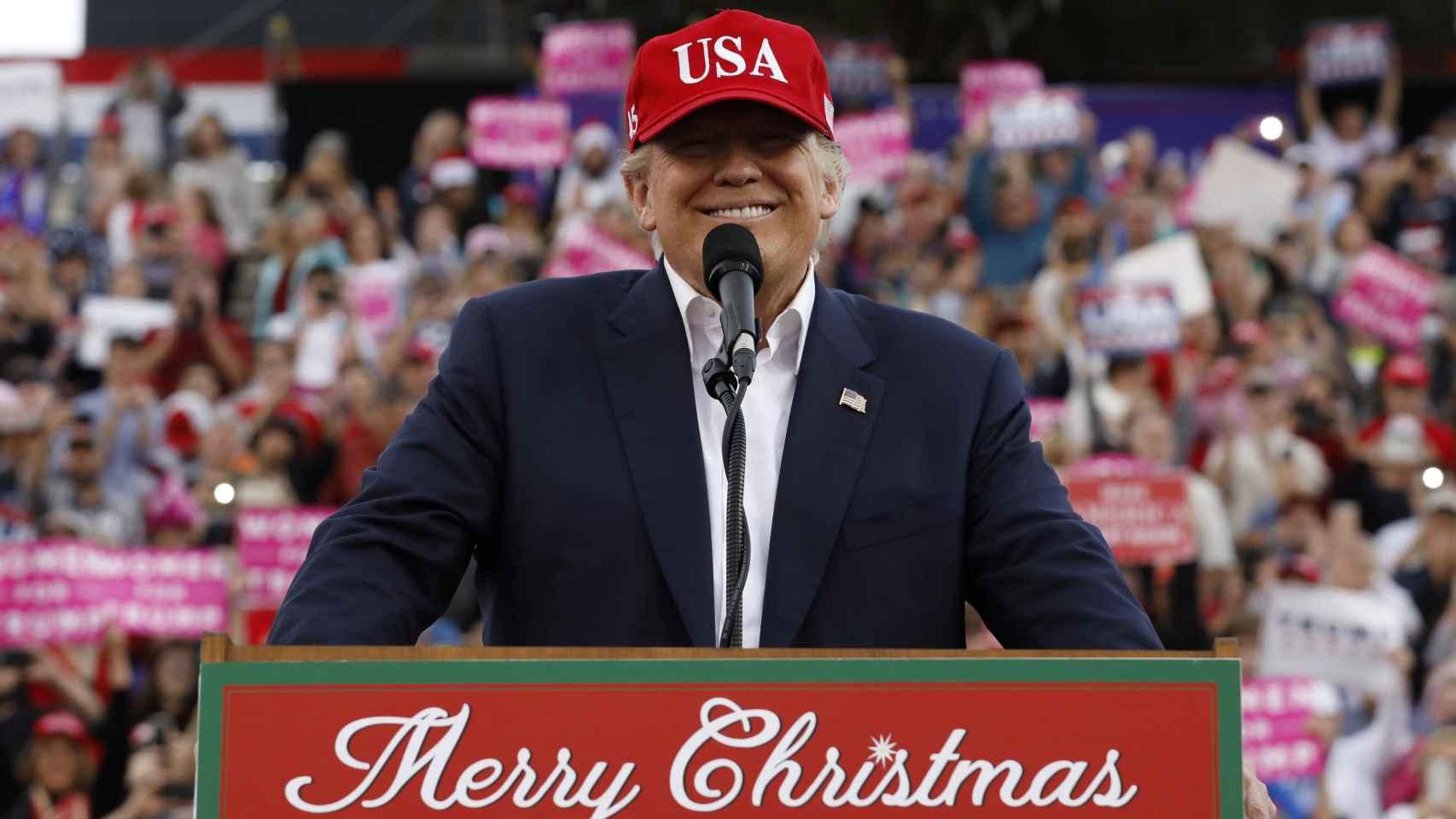 Trump cierra su gira de la victoria en el lugar donde nació como ídolo de masas