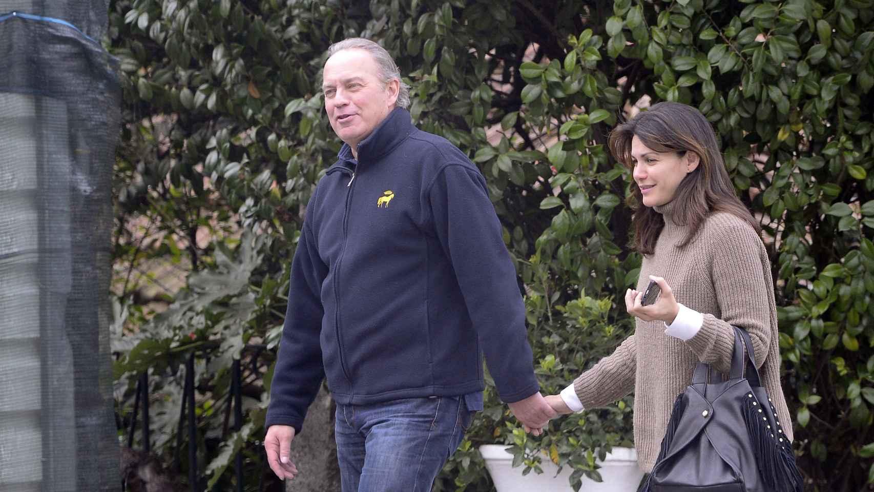 Bertín Osborne y su mujer Fabiola dando un paseo por Madrid