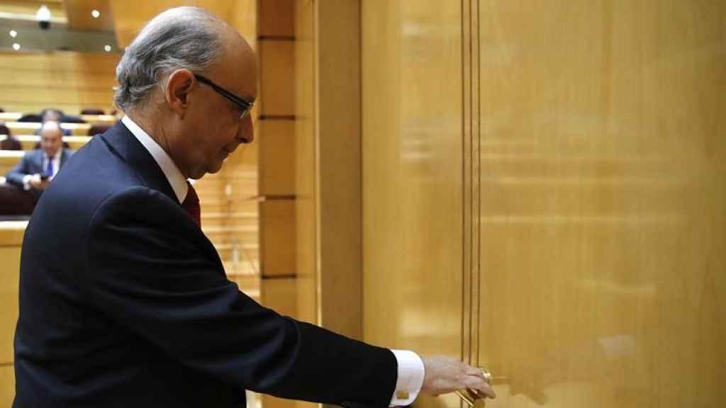 El ministro de Hacienda y Función Pública, Cristóbal Montoro, en el Senado