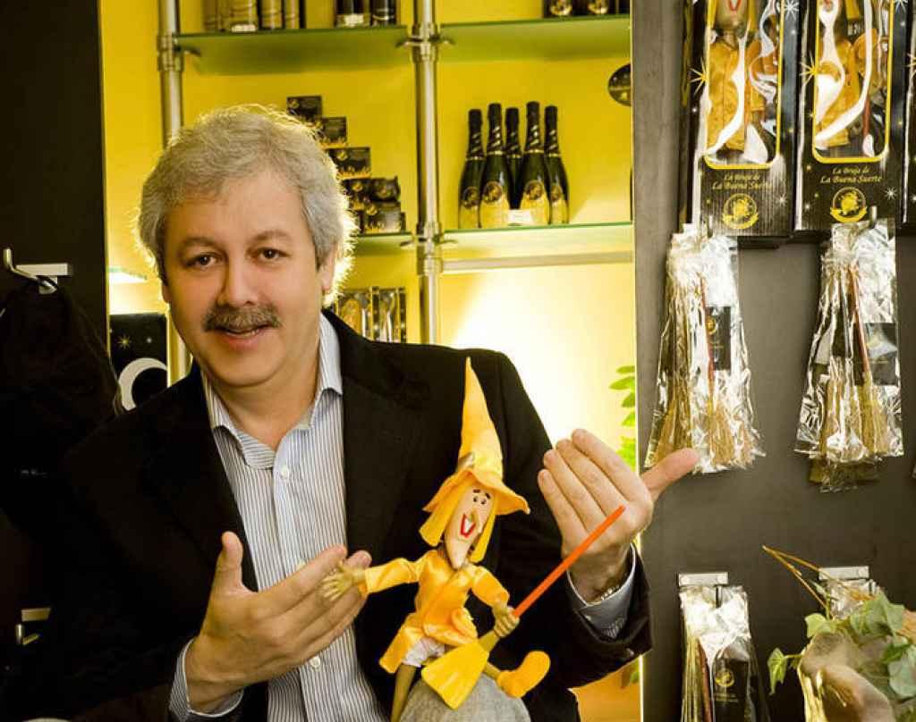 Xavier Gabriel, propietario de la administración La Bruixa d'Or