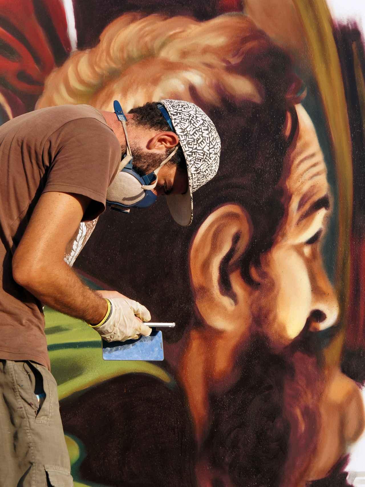 Andrea Ravo, el grafitero que convierte a Caravaggio en arte urbano.