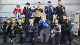 Manel Berdonce junto con los ejecutivos a los que enseña a boxear.