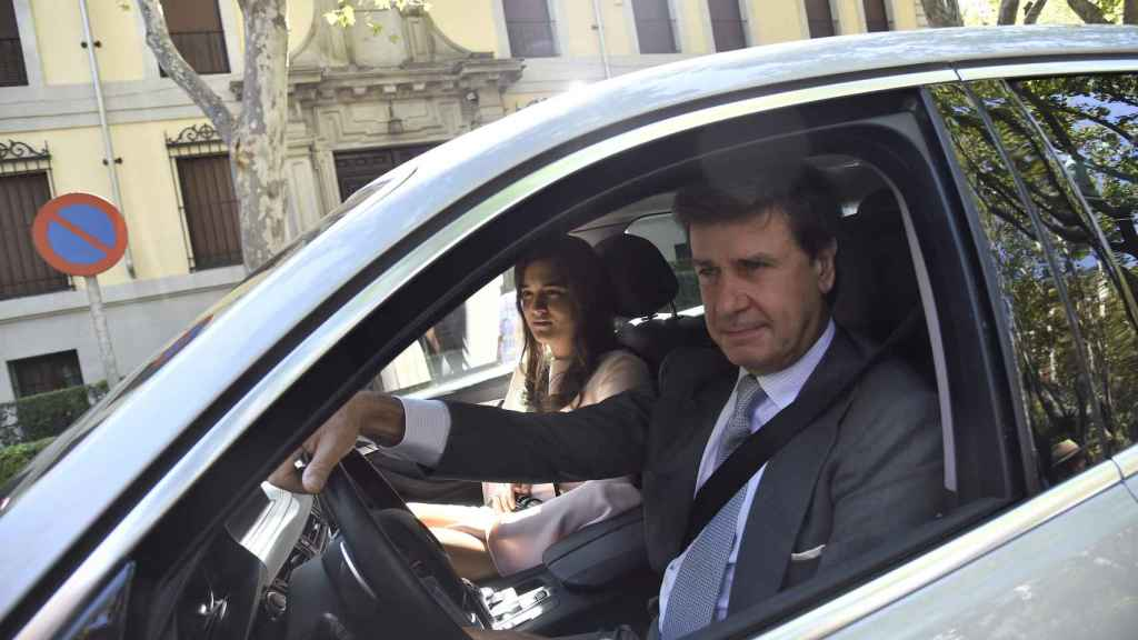 Cayetano Martínez de Irujo y Bárbara en su presentación oficial
