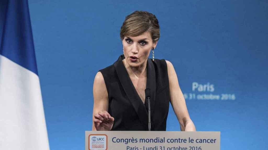 La reina, durante su discurso en París.