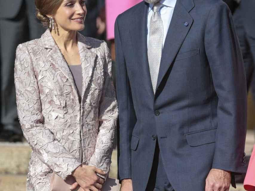 Letizia y su marido durante su viaje a Portugal este año.