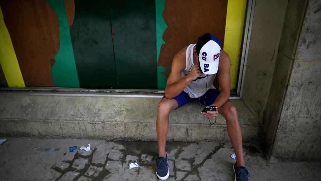 El acceso a Internet es aún un bien escaso en Cuba.