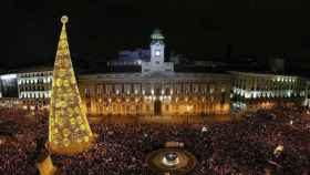 Las campanadas del reloj de la Puerta del Sol nos encaminarán otra vez al Año Nuevo