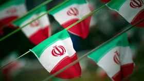 Banderas de Irán en una plaza de Teherán