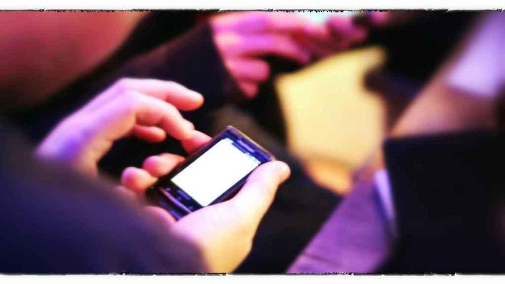 El móvil ha dado flexibilidad a los trabajadores, pero les impide desconectar
